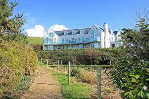 Self catering breaks at 10 The Whitehouse in Watergate Bay, Cornwall